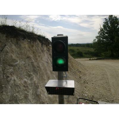 Forgalomirányító jelzőlámpa P-Z 230V telepítve